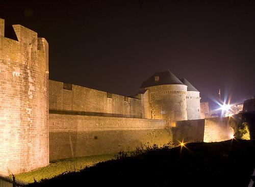 Image:Chateau nuit.jpg